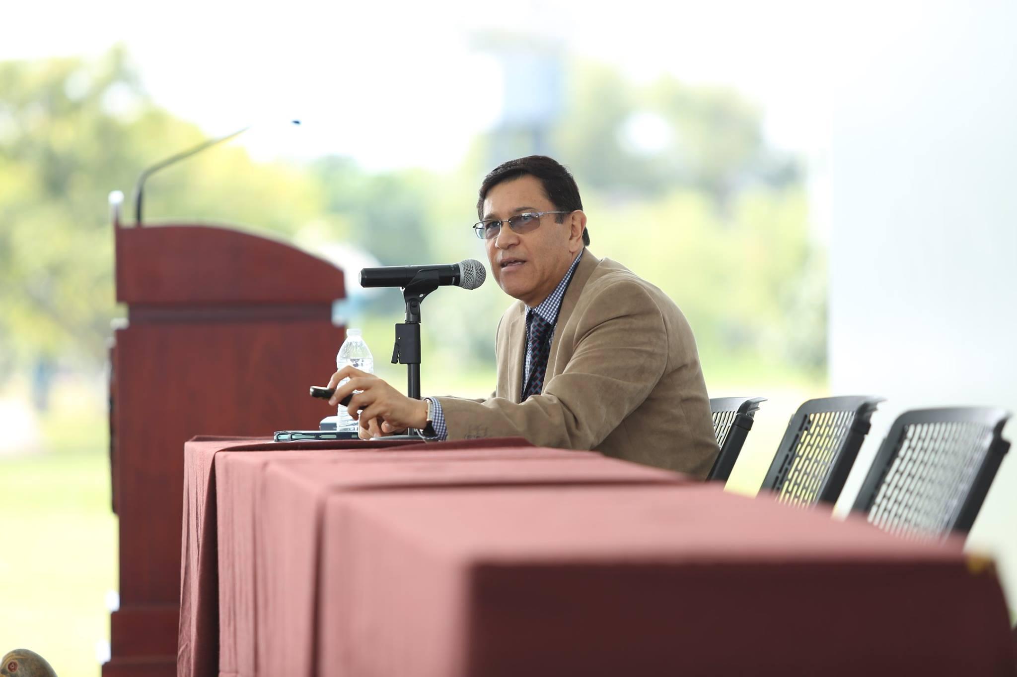 Doctor Eduardo Andrés Sandoval Forero