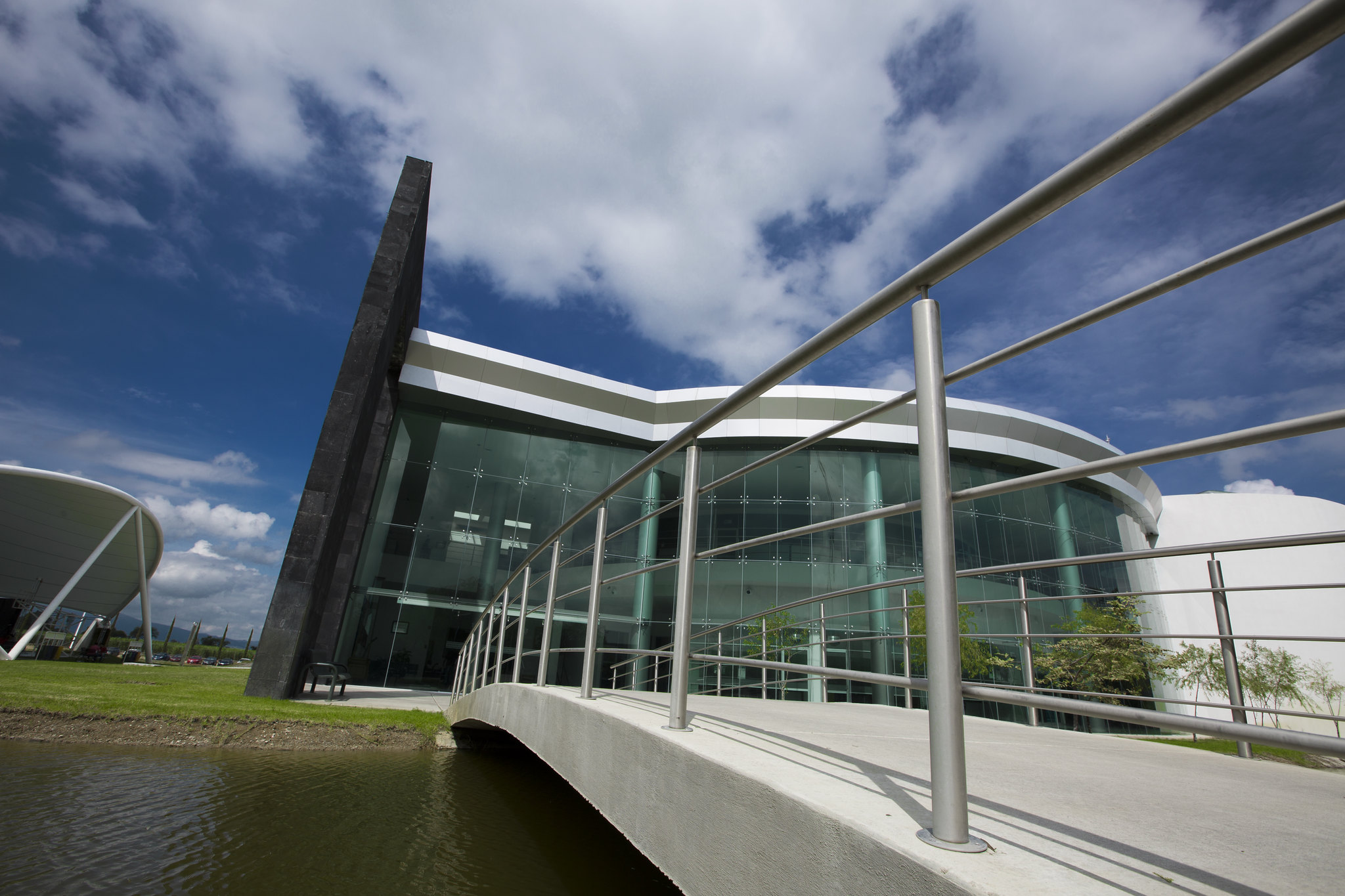 Edificio Académico del CUValles, sede de las Divisiones y Departamentos académicos