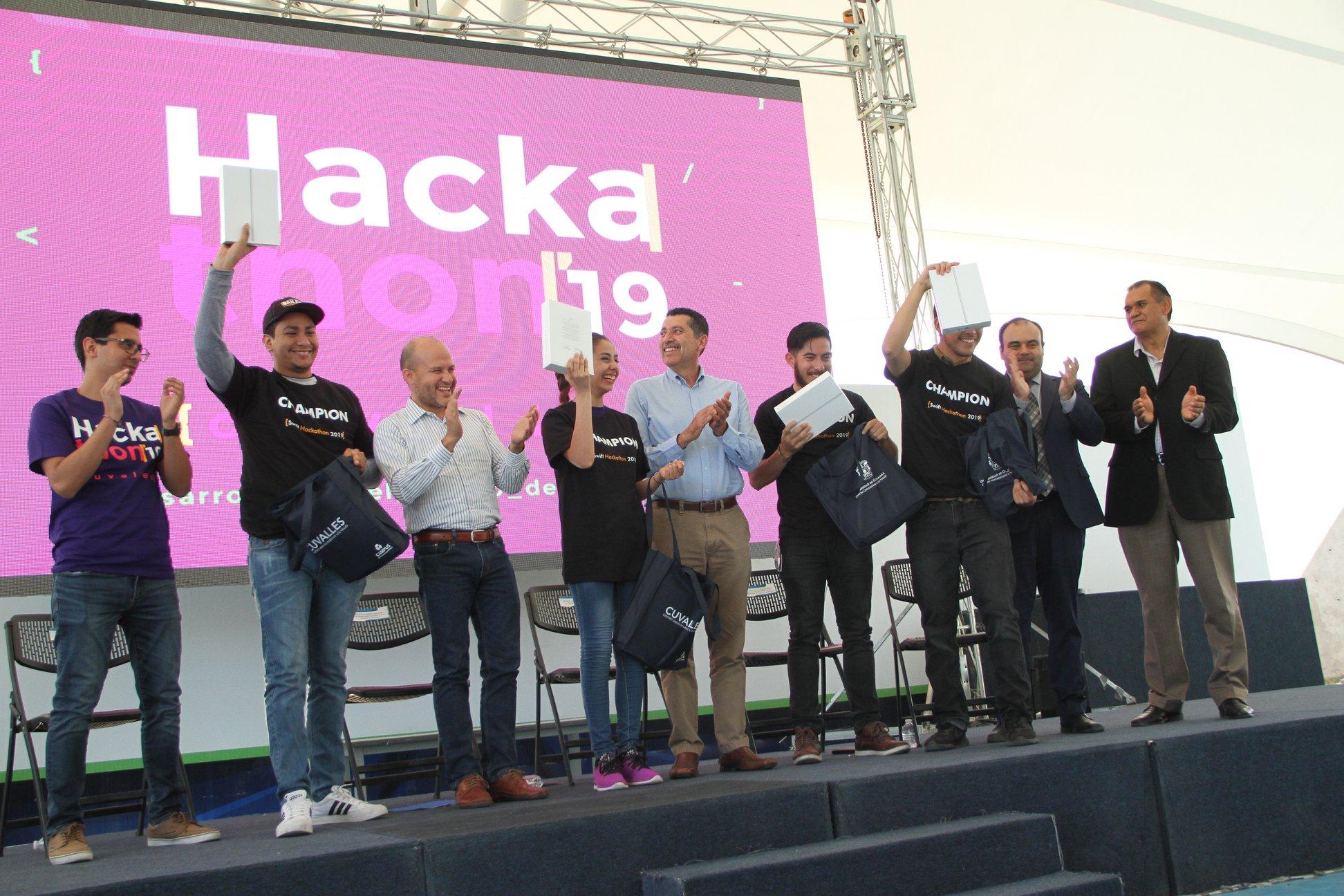 Equipo ganador del primer lugar del Hackathon CUValles 2019