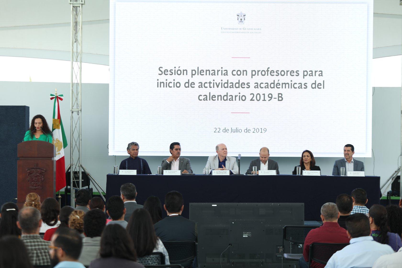 Sesión plenaria de inicio de actividades académicas para el ciclo 2019B