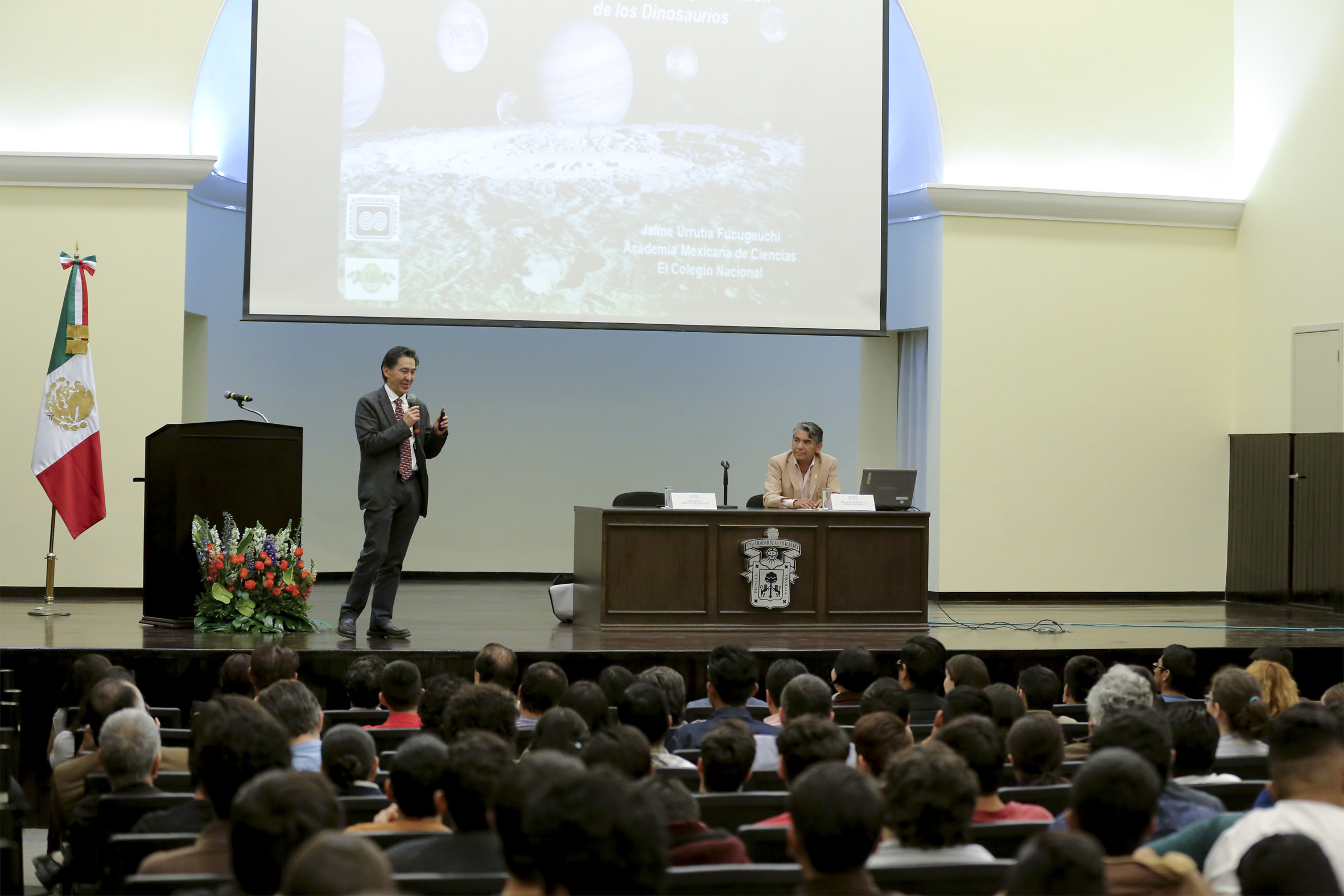 Jaime Urrutia dictó la Cátedra Julio Cortázar