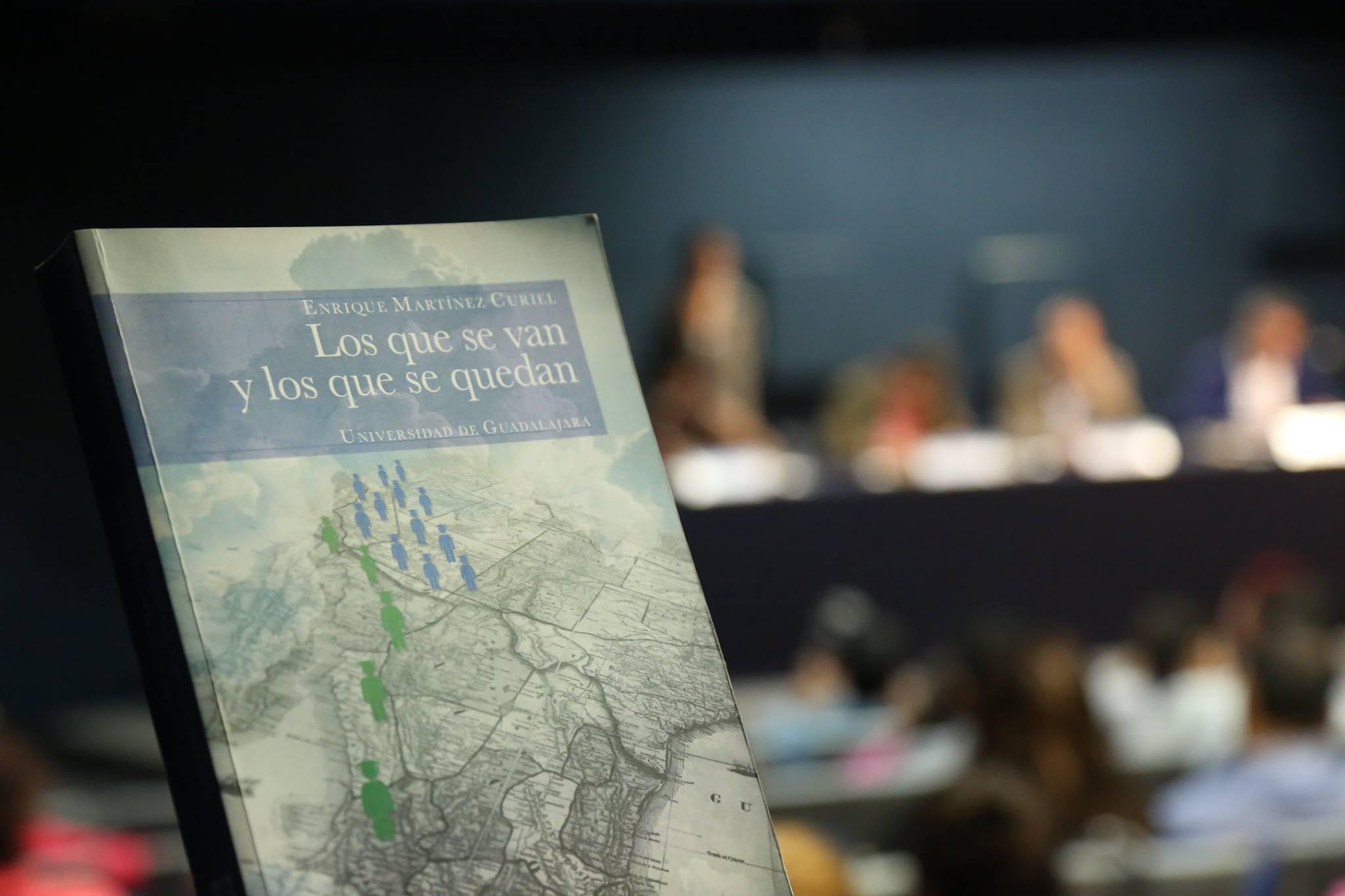 Fotografía libro Los que se van y los que se quedan. Familia, migración, educación y jóvenes en transición a la adultez en contextos binacionales
