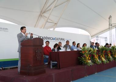 Rector del CUValles en discurso de inauguración